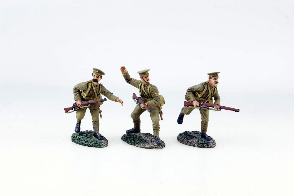 Britains 17807 British 4th Battalion 1st Fusiliers Advancing Set #1